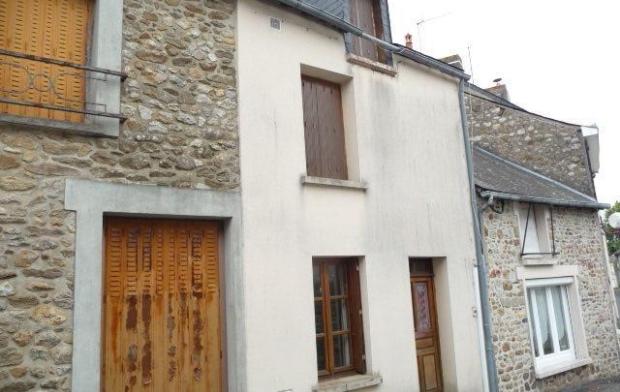 Maison / Villa 42m2 VILLAINES-LA-JUHEL (53700) Surf  hab  : 42m2 Nb  pièce(s) : 3 Surf  Ext : 460 m2 Réf : En110249
